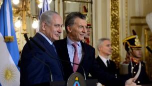 رئيس الوزراء الاسرائيلى بنيامين نتانياهو في لقاء مع الرئيس الارجنتينى موريسيو ماكري فى قصر سان مارتن فى بوينس ايرس بالارجنتين خلال زيارته الرسمية للدولة. 12 سبتمبر 2017. (Avi Ohayon/GPO)