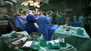 صورة للتوضيح: غرفة عمليات. (Nati Shohat/Flash90)