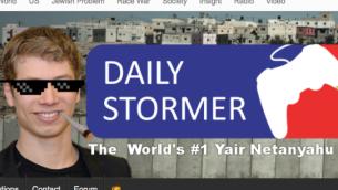صورة شاشة من موقع دايلي ستورمر للنازيين الجدد، يظهر صورة نجل رئيس الوزراء بنيامين نتنياهو على الصفحة الرئيسية، 12 سبتمبر 2017