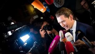 وزير خارجية النمسا، وزعيم حزب المحافظين النمساوي سباستيان كوتز في فيينا، 15 اكتوبر 2017 (VLADIMIR SIMICEK / AFP)