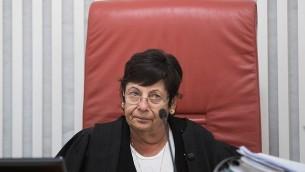 رئيسة المحكمة العليا القاضية ميريام ناؤور في المحكمة العليا في القدس، 31 أغسطس، 2017. (Yonatan Sindel/Flash90)