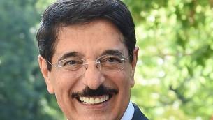 وزير الثقافة القطري السابق حمد بن عبد العزيز الكواري (Wikimedia/Creative Commons)