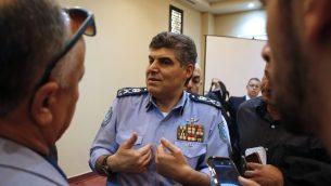 قائد الشرطة الفلسطينية حازم عطا الله خلال مؤتمر صحفي في رام الله، 8 نوفمبر 2017 (Abbas Momani/AFP)