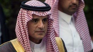 وزير الخارجية السعودي عادل الجبير يصل جلسة للجامعة العربية في القاهرة، 19 نوفمبر 2017 (AFP PHOTO / KHALED DESOUKI)