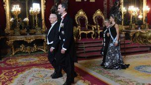 الرئيس رؤوفن ريفلين والملك فيليب السادس الاسباني في مدريد، 6 نوفمبر 2017 (Haim Zach/GPO)