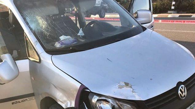 سيارة استخدمها معتدي فلسطيني في هجوم دهس في مركز الضفة الغربية، 17 نوفمبر 2017 (Israel Defense Forces)