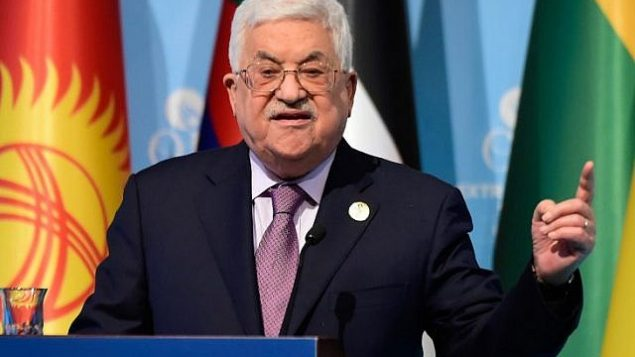رئيس السلطة الفلسطينية محمود عباس خلال مؤتمر صحفي بعد قمة منظمة التعاون الإسلامي في اسطنبول، 13 ديسمبر 2017 (AFP Photo/Yasin Akgul)