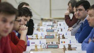 صورة توضيحية: لاعبي شطرنج في بطولة في القدس في 25 فبراير 2015.(Yonatan Sindel/Flash90)