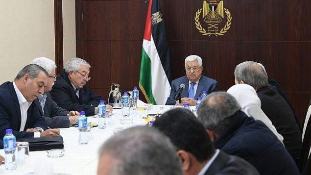 رئيس السلطة الفلسطينية محمود عباس يترأس اجتماع اللجنة المركزية في 25 نوفمبر 2017. (Osama Falah/WAFA)