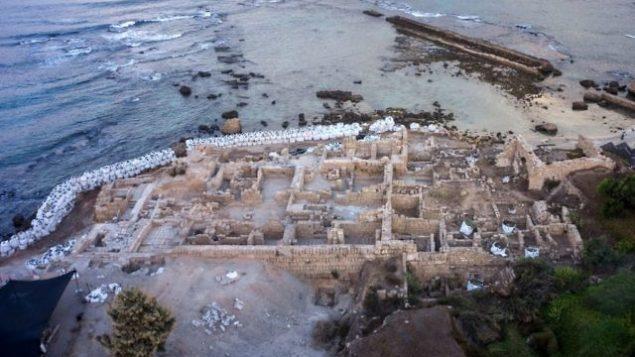 منظر جوي لحديقة قيسارية الوطنية. (Assaf Peretz/Israel Antiquities Authority)