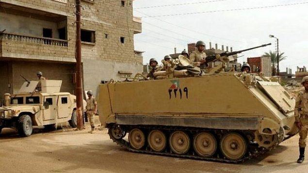صورة للتوضيح: قوات الأمن المصرية في سيناء، يوليو، 2013. (Mohamed El-Sherbeny /AFP)
