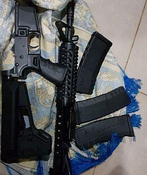 بندقية ام 16 تمت مصادرتها خلال مداهمة في بلدة الرام في الضفة الغربية، 5 فبراير 2018 (Police Spokesperson)