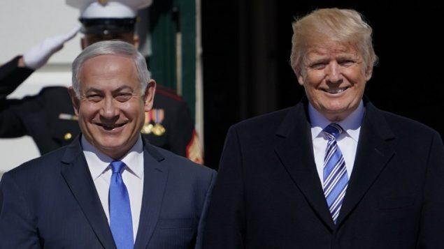 الرئيس الامريكي دونالد ترامب يرحب برئيس الوزراء بنيامين نتنياهو في البيت الابيض، 5 مارس 2018 (MANDEL NGAN / AFP)