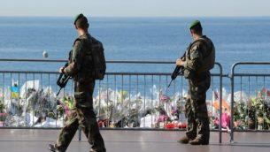 صورة توضيحية: جنود فرنسيون في نيس، جنوب فرنسات، 19 يوليو 2016 (AFP/Valery Hache)