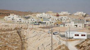 مشروع سكني جديد يتم بناؤه في مستوطنة نوكديم الإسرائيلية في الضفة الغربية، 24 أكتوبر، 2017.  (Gershon Elinson/Flash90)