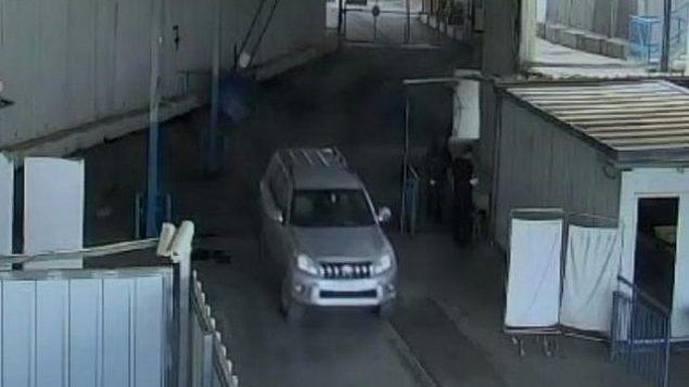 مركبة يٌُزعم أن رومان فرانك، الموظف في القنصلية الفرنسية، قادها عند معبر إيرز بين إسرائيل وقطاع غزة. (Shin Bet)