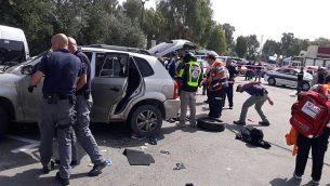 صورة من موقع ما يُشتبه بأنه هجوم دهس في عكا، 4 مارس، 2018.  (United Hatzalah)