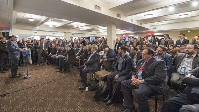 المئات من الشخصيات المشاركة في مؤتمر إيباك يشاركون في حدث نظمه مجلس يشع في العاصمة الأمريكية واشنطن لدعم الحركة الاستيطانية في 5 مارس، 2018. (Courtesy: Yesha Council)