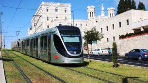 صورة توضيحية: القطار الخفيف في القدس (Shmuel Bar-Am)