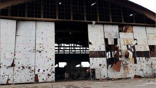 صور نشرتها وسائل إعلام إيرانية تظهر كما يُزعم قاعدة تيفور الجوية في وسط سوريا بعد تعرضها لهجوم صاروخي الإثنين. (Iranian media)