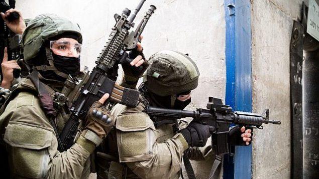 توضيحية: وحدة نخبة في شرطة حرس الحدود الإسرائيلية تشارك في مناورة في مركز التدريب على مكافحة الإرهاب التابع للجيش الإسرائيلي بالقرب من مدينة موديعين في وسط إسرائيل. (ألشرطة الإسرائيلية)