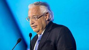السفير الأمريكي لدى إسرائيل ديفيد فريدمان خلال كلمة ألقاها في مؤتمر المنتدى العالمي السادس لمكافحة معاداة السامية في قاعة المؤتمرات في القدس،  19 مارس، 2018.  (Yonatan Sindel/Flash90)