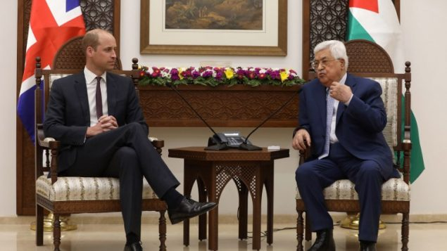 الأمير وليام يلتقي برئيس السلطة الفلسطينية محمود عباس في رام الله، الضفة الغربية، 27 يونيو 2018 (ALAA BADARNEH / POOL / AFP)