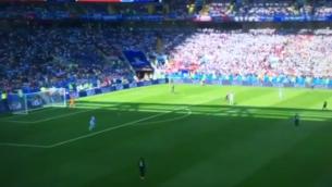 لقطات عريضة الزاوية تبث في إسرائيل لمباراة كرة القدم بين الأرجنتين وأيسلندا في كأس العالم في 16 يونيو 2018. (لقطة شاشة: Twitter)