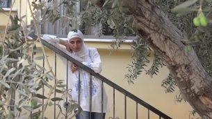 الشاعرة الفلسطينية دارين طاطور (Screen capture: YouTube)