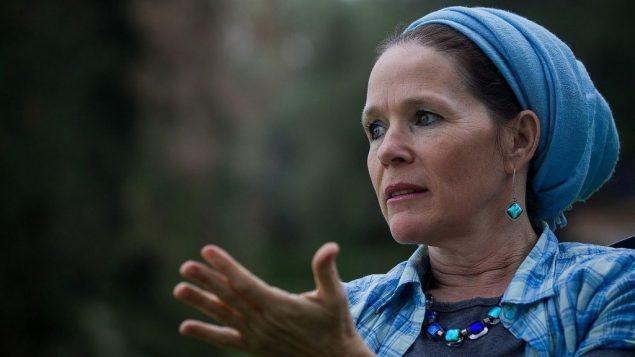 راحيلي فرنكل، والدة المراهق اليهودي نفتالي فرنكل، الذي اختطفته وقتلته خلية تابعة لحماس في يونيو 2014، 18 ديسمبر 2014 (Miriam Alster/FLASH90)