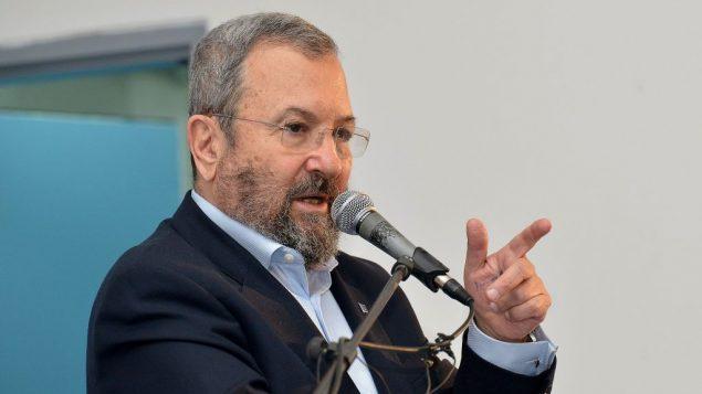 وزير الدفاع السابق إيهود باراك في تل ابيب، 22 ديسمبر 2017 (Flash90)