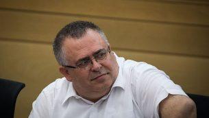 عضو الكنييت دافيد بيتان خلال جلسة لكتلة حزب  'الليكود'، 25 يونيو، 2018. (Yonatan Sindel/Flash90)
