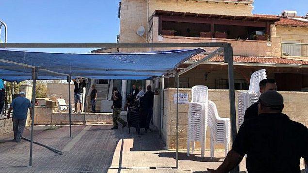 منزل يعقوب عوفاديا، الذي قتل ابنه يوتام في هجوم في مستوطنة آدم في الضفة الغربية في 26 يوليو 2018. (Jacob Magid)