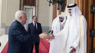 رئيس السلطة الفلسطينية محمود عباس يلتقي بأمير قطر، تميم بن حمد آل ثاني، في الدوحة، 9 أغسطس، 2018.(Wafa/Thaer Ghnaim)