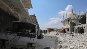 تظهر هذه الصورة الدماؤ بعد قيام قوت النظام السوري بقصف قرية الحبيط في الأطراف الجنوبية لمحافظة إدلب الخاضع لسيطرة المتمردين في 9 سبتمبر، 2018. ( AFP PHOTO / OMAR HAJ KADOUR)