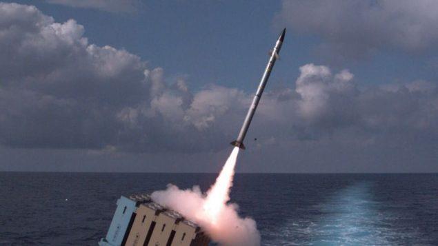 سلاح البحرية الإسرائيلية يجرب اطلاق نظام القبة الحديدية للدفاع الصاروخي من سفينة، 27 نوفمبر 2017 (Israel Defense Forces)