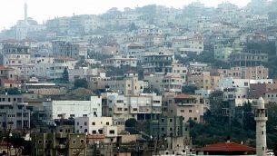 منظر لمدينة أم الفحم في شمال إسرائيل ، 31 ديسمبر 2011. (Moshe Shai/Flash90)