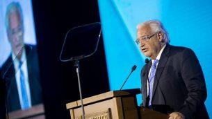السفير الأمريكي لدى إسرائيل، ديفيد فريدمان، خلال كلمة ألقاها في مؤتمر المنتدى العالمي السادس لمكافحة معاداة السامية في قاعة المؤتمرات في القدس،  19 مارس، 2018.  (Yonatan Sindel/Flash90)