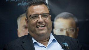 مرشح رئاسة بلدية القدس موشي ليون في افتتاح مقر حملته في القدس في 14 أغسطس 2018. (Yonatan Sindel/Flash90)
