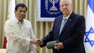 الرئيس رؤوفن رفلين والرئيس الفلبيني رودريغو دوتيرتي، في القدس، 4 سبتمبر 2018 (Mark Neyman/GPO)