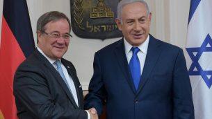 رئيس الوزراء بنيامين نتنياهو يرحب بقائد ولاية شمال الراين-فيستفاليا ارمين لاشيت في القدس، سبتمبر 2018 (Amos Ben-Gershom/GPO)