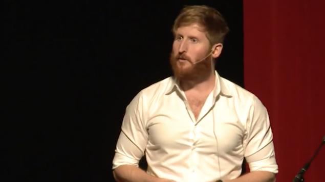 المحاضر جون تشيني ليبولد من جامعة ميشيغان، نوفمبر 2015 (YouTube Screen Capture)