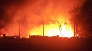 حريق في محمية عينوت تسوكيم الطبيعية القريبة من البحر الميت، 11 سبتبمر، 2018. (وحدة الناطق باسم الشرطة)