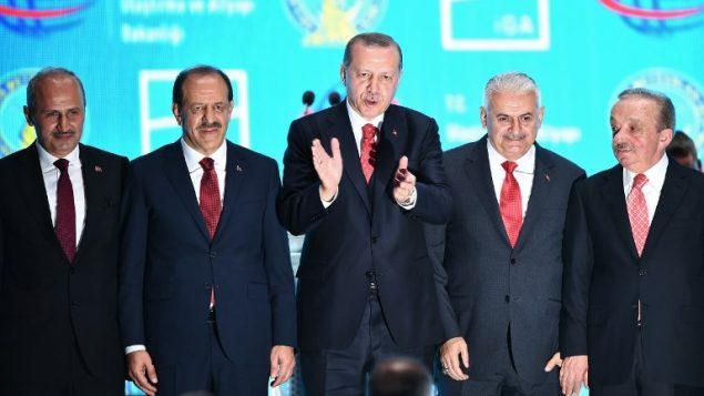 الرئيس التركي رجب طيب إردوغان خلال مراسيم افتتاح مطارا جديدا في اسطنبول، 29 اكتوبر 2018 (BULENT KILIC / AFP)