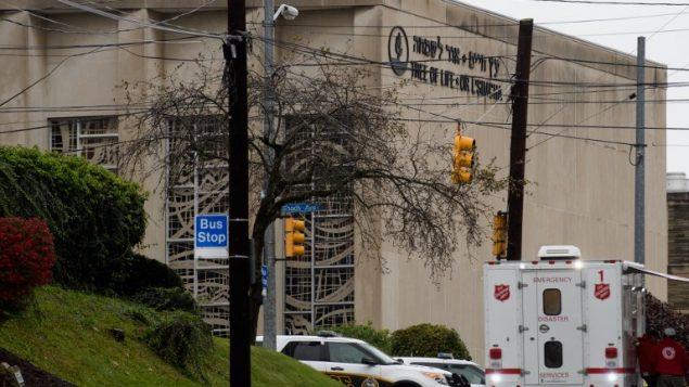 كنيس 'شجرة الحياة في بيتسبورغ، حيث وقع هجوم اطلاق نار راح ضحيته 11 شخصا، 27 اكتوبر 2018 (Jeff Swensen/Getty Images/AFP)