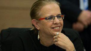 القاضية المتقاعدة هيلا غرستيل تحضر اجتماع لجنة الدستور والقانون والعدالة في الكنيست، في 27 يناير 2016. (Yonatan Sindel / Flash90)