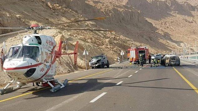صورة من حادث الطرق المروع على الطريق رقم 90 بالقرب من البحر الميت، 30 أكتوبر، 2018.  (Courtesy MDA)