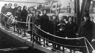 أطفال يهود يفرون من النازيين يصلون إلى لندن في فبراير عام 1939. (مصدر الصورة: CC-BY-SA / Bundesarchiv، Bild 183-S69279 / Wikimedia Commons)