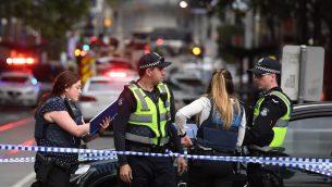عناصر الشرطة في ساحة هجوم طعن في ملبورن، استراليا، 9 نوفمبر 2018 (WILLIAM WEST / AFP)