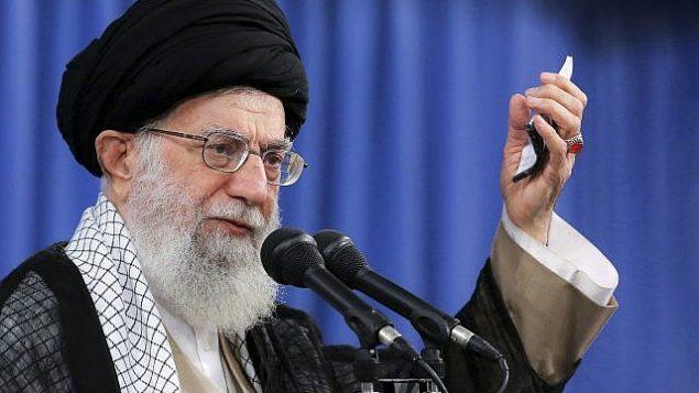 المرشد الأعلى آية الله علي خامنئي يتحدث في اجتماع في طهران، إيران، 13 أغسطس 2018. (Office of the Iranian Supreme Leader via AP)